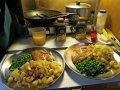 Gebratenes Hühnchen mit Kartoffeln