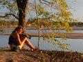 Nathalie filmt am Luangwa River (Sambia)