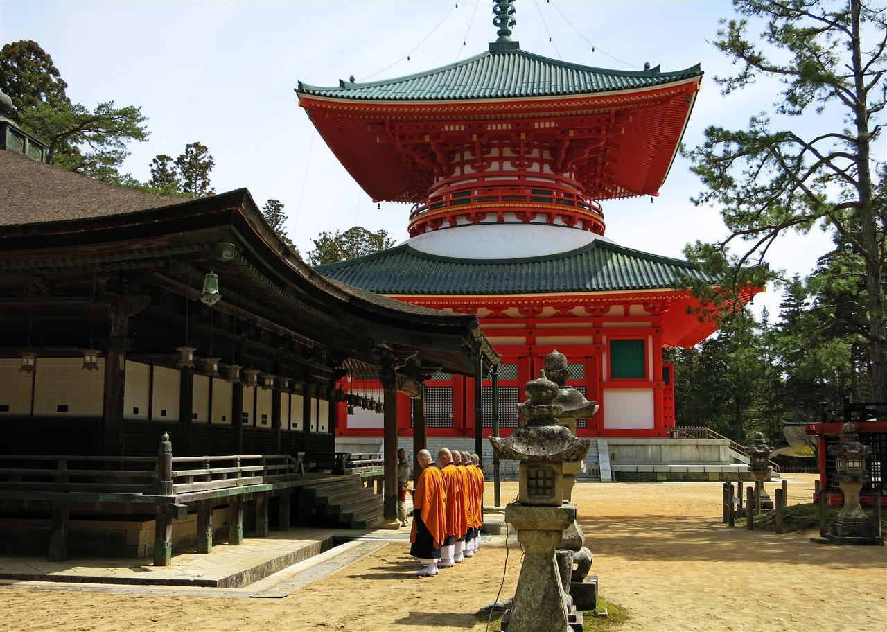 Mönche in Koyasan (Japan)