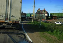 Bahnübergang an der Transsib (Russland)