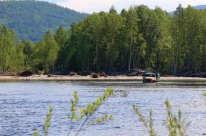 Kamaz im Fluss (Russland)