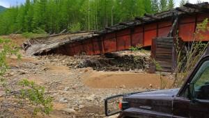 verfallene Brücke an der BAM Road (Russland)