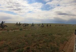 Pferderennen beim Naadam-Fest (Mongolei)