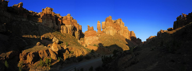 Licht und Schatten im Charyn Canyon (Kasachstan)