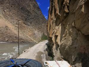 schluchtig am Panj (Tadschikistan)