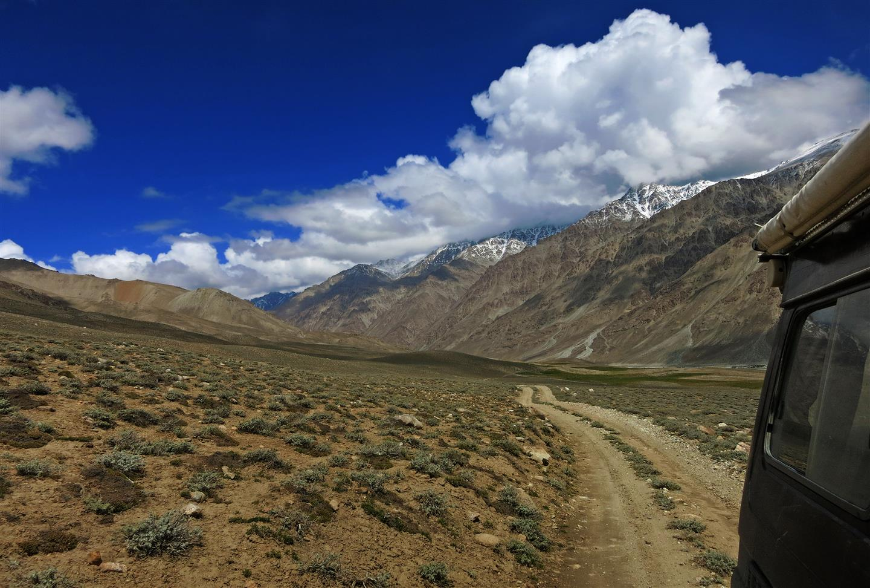 Straße im Pamirgebirge (Tadschikistan)