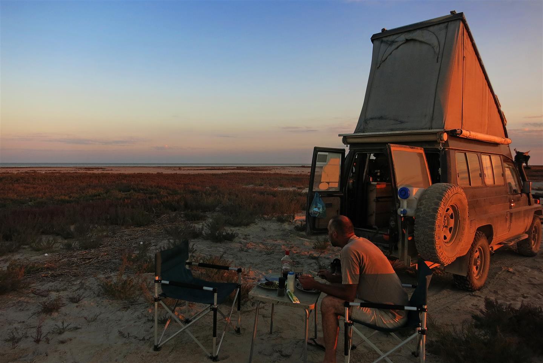 Camping am Kaspischen Meer (Kasachstan)